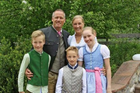 Familie Gsodam-Mayrhofer, Familienhotel Alpenhof in Zauchensee