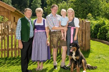 Familie Mayrhofer, Familienhotel Taxerhof in Zauchensee