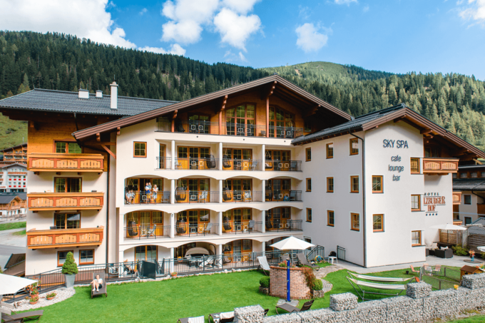 Garten Familienurlaub - 4 Sterne Superior Hotel Salzburger Hof in Zauchensee