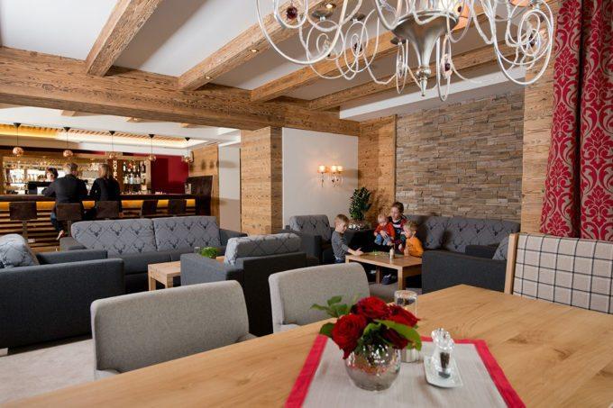 Lobby im Hotel Taxerhof - Familienhotel in Radstadt, Salzburger Land